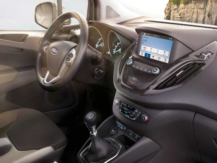 Ford - Tourneo Courier Guyane